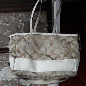Coach diaper bag/beach bag/bag that fits EVERYTHIN